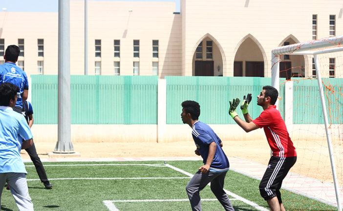استمرار منافسات دوري كرة القدم في القسم الثانوي