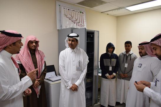 زيارة المساعد التعليمي بالإدارة للعيادة الصحية بالمجمع